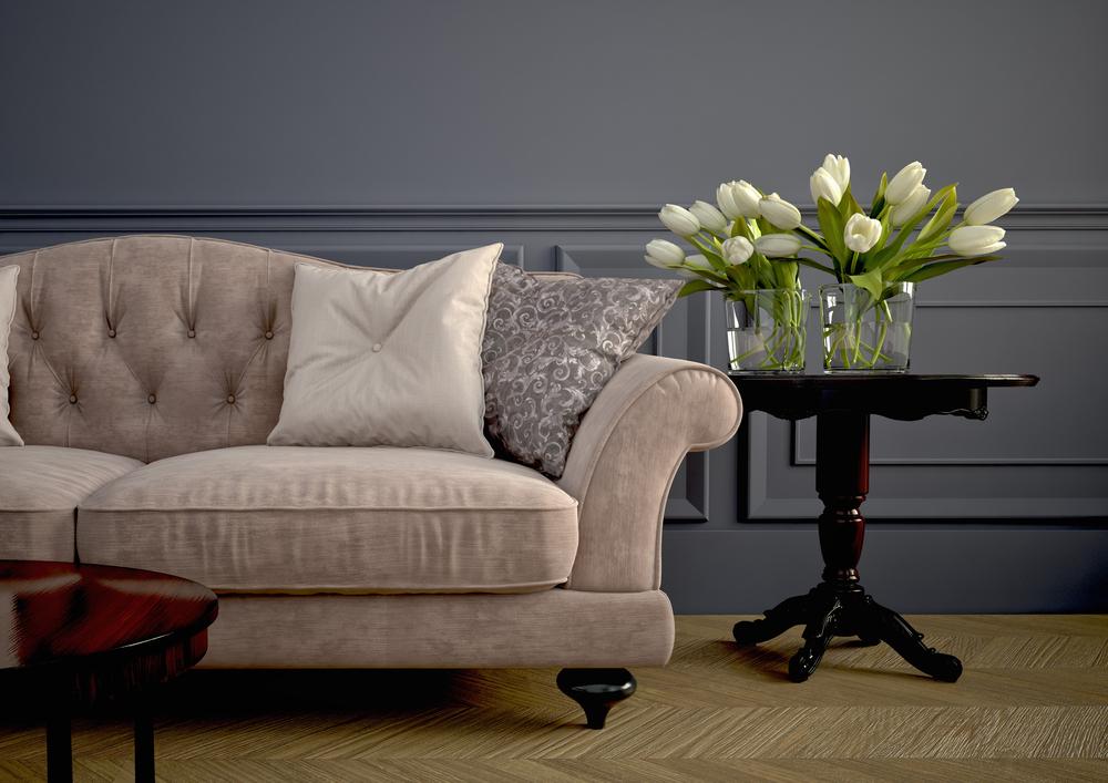 Beautiful,Vintage,Sofa,Next,To,Wall
